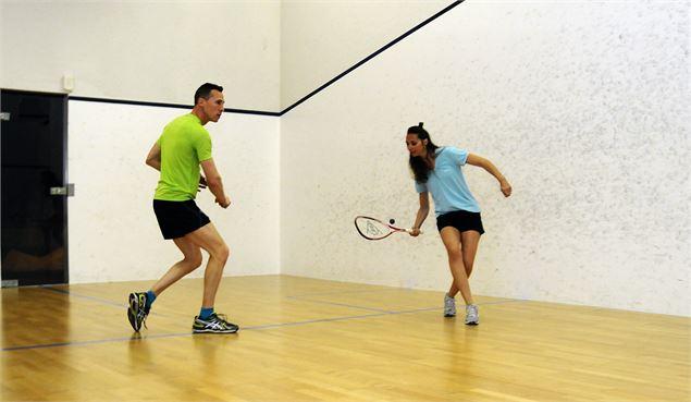 78433-tournoi-de-squash-centre-sportif-les-menuires-c.-guenanff-sogevab-fiche